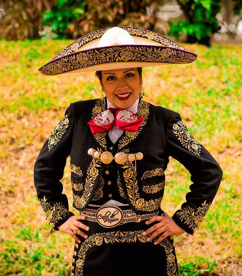 Mariachis en Lima y Lourdes Diaz